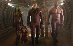 Ouah le plan des héros badass dans le couloir !... Ben faites gaffe aux détails ^^ !