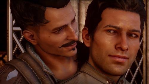 Dorian (à gauche) est le premier personnage exclusivement gay de Dragon Age